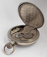 Antique 1920s Moeris pocket watch. (3 of 6)