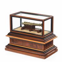 Miniature Brass Cannon in a presentation case (8 of 10)