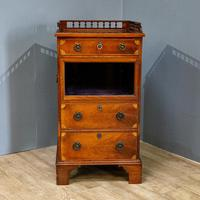 Display cabinet and chest (4 of 10)