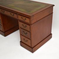 Antique Mahogany Leather  Top  Pedestal Desk (8 of 11)
