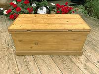 Wonderful Restored Old Pine Blanket Box / Chest / Trunk / Coffee Table (8 of 8)