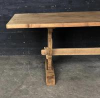 Trestle End Oak Farmhouse Dining Table (7 of 18)