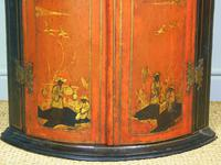 George II Japanned Bowfront Corner Cupboard (5 of 7)