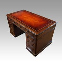 Victorian Oak Pedestal Desk (2 of 11)