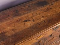 Early 18th Century Dower Chest in Oak (5 of 9)
