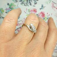 Vintage 18ct Platinum diamond trilogy ring c1930s ~ 1950s (2 of 10)