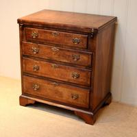 Small Proportioned Walnut Batchelors Chest (2 of 8)