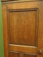 Antique Oak Housekeepers Cabinet Linen Cupboard with Shelves (4 of 17)