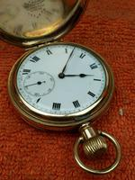 A.W.C CO Empress Canada Case, Swiss Movement Full Hunter Pocket Watch Gold Plated (2 of 7)