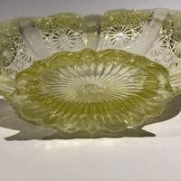Victorian Davidson Yellow Vaseline Glass Posy Bowl - Lady Chippendale Pattern c.1890 (4 of 6)