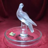 """Lalique """"Dove"""" Ring Dish in Clear & Frosted Glass with Original Label (4 of 8)"""