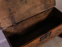 17th Century 5 Plank Coffer (9 of 9)