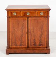 Victorian Mahogany Two-Door Side Cabinet (2 of 8)