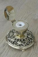 Fine Aesthetic Movement Desk Set Brass Inkwell & Brass Candlesticks c.1880 (3 of 11)
