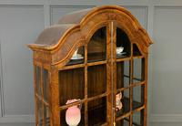 Burr Walnut Dome Topped Display Cabinet (17 of 21)