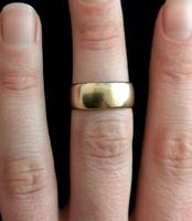 Victorian 9ct Gold Wedding Ring, Band (5 of 11)