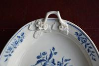 18th century First Period Worcester twin-handled dish (5 of 13)
