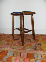Arts and crafts stool (2 of 5)