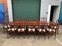 Quality Mahogany Extending Dining Table (15 of 15)