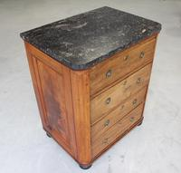 A 19th Century French Chest of Drawers (7 of 10)
