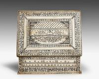 An Early 19th Century Vizagapatam Bone Box (2 of 8)
