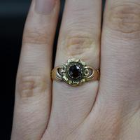 Antique Fede Claddagh Double Hand Garnet Gold Ring (4 of 8)