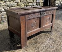 Small 17th Century Devon Oak Coffer (2 of 21)