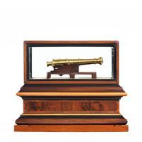 Miniature Brass Cannon in a presentation case (7 of 10)