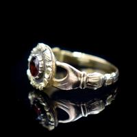Antique Fede Claddagh Double Hand Garnet Gold Ring (6 of 8)
