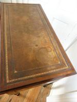 Neat 19th Century Kneehole Desk (2 of 11)