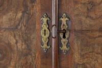 17th Century William & Mary Walnut Bureau Cabinet (9 of 14)