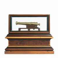 Miniature Brass Cannon in a presentation case (4 of 10)