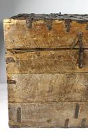 Large Early 17th Century Iron Bound Chest (19 of 22)
