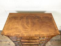 Small 20th Century Walnut Chest of Drawers (3 of 10)