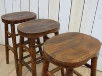 Set of Three Oak Bar Stools (4 of 8)