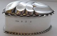 Victorian 1890 Hallmarked Solid Silver Love Heart Jewellery Box Pill Box (5 of 11)