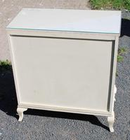 1960s White Chest of 4 Drawers with Glass Top (4 of 4)