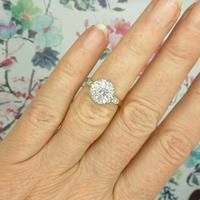 Vintage 18ct Platinum diamond cluster ring c.1960s (3 of 11)