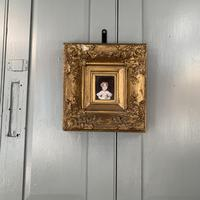 Antique Victorian portrait in oil of a young girl child in ornate gesso frame 2 of 2 (3 of 10)