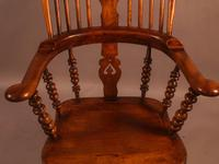 Good Victorian Broad Arm Windsor Chair (9 of 9)