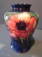 Early Moorcroft Anemone Baluster Shaped Vase (3 of 8)
