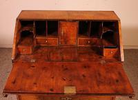 Secretary / Bureau in Walnut Early 18th Century (11 of 11)