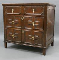 17th Century Oak Chest of Small Proportions (4 of 6)