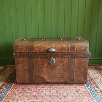 ANTIQUE Victorian Steamer TRUNK Old Tin Travel TRUNK Coffee Table Shabby Chic Metal Storage Chest