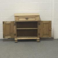 Attractive Old Pine Cupboard (2 of 4)