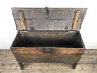 Early 18th Century Six Plank Oak Coffer (8 of 20)
