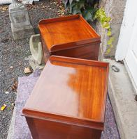 Fine Pair of Gillows Style Mahogany Bedsides (5 of 7)