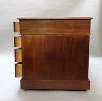 Victorian Figured Mahogany Pedestal Writing Desk (11 of 11)