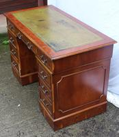 1960's Pedestal Desk with Green Leather Inset (3 of 4)
