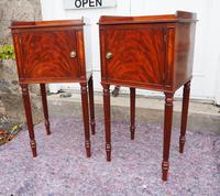 Fine Pair of Gillows Style Mahogany Bedsides (4 of 7)